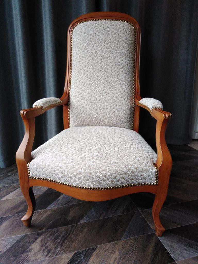 Restaurer Fauteuil Voltaire Moderne tapissier : une réfection de sièges dans les règles de l'art